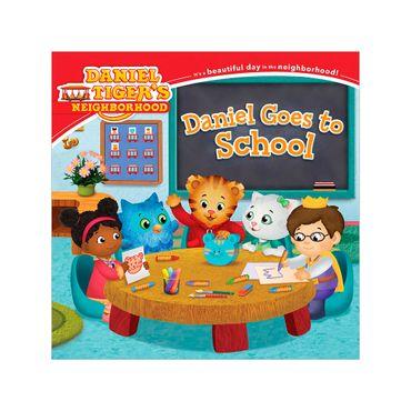 daniel-goes-to-school-3-9781481403184