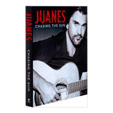 juanes-chasing-the-sun-8-9780451415530