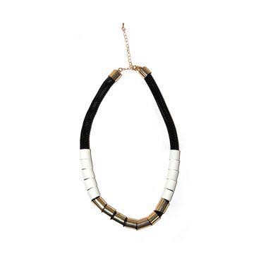 collar-de-tubo-en-malla-negra-con-dijes-blancos-y-dorados--1--7701016027625