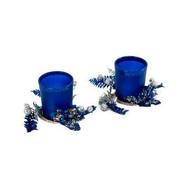 Candelabro-azul-mate-escarchado-con-ramas-grises-y-esferas