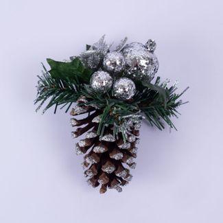 pina-decorativa-con-poinsettia-y-esferas-plateadas-7701016011884