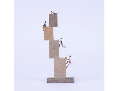 adorno-de-personas-subiendo-bloques-27-x-10-cms-7701016996327