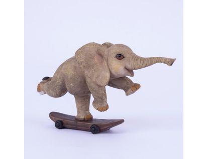 figura-de-elefante-pequeno-sobre-patineta-9-5-x-15-5-cms-7701016996433