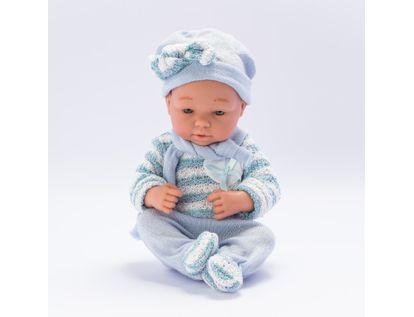 bebe-con-mameluco-y-gorro-azul-37-cms-7701016033596