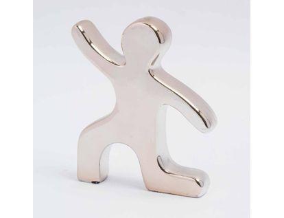 figura-diseno-silueta-de-persona-arrodillada-7701016988391