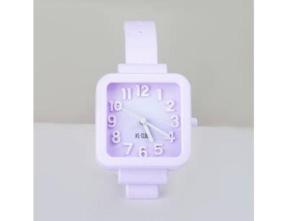 reloj-despertador-morado-diseno-pulso-cuadrado-614242