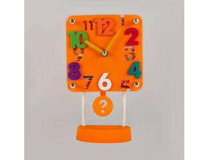 reloj-despertador-naranja-cuadrado-con-pendulo-614265