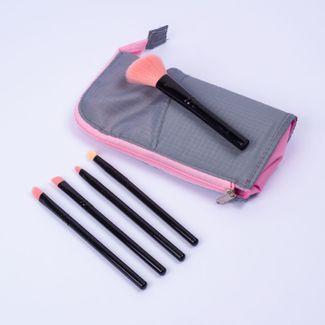 set-de-brochas-negro-con-rosa-x-5-unds-con-estuche-gris-7701016833325