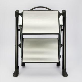 escalera-en-aluminio-de-2-pasos-de-33-cm-x-42-5-cm-x-42-cm-color-plateado-con-negro-7701016036979