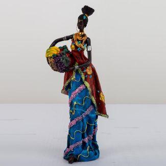 figura-decorativa-mujer-con-vestido-rojo-cesta-cafe-con-frutas-614552