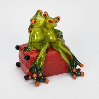 figura-13-5-x-13-cm-ranas-sentadas-en-maleta-con-alcancia-verde-rojo-7701016158992