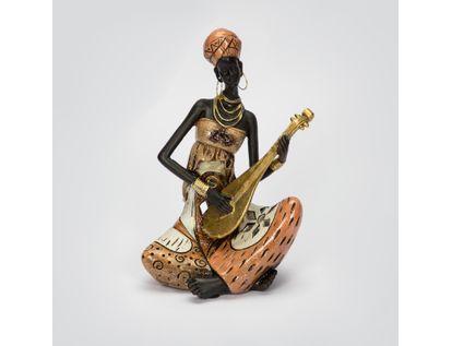 figura-mujer-africana-sentada-de-18-5-cm-con-guitarra-vestido-multicolor-7701016130059