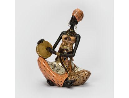 figura-mujer-africana-sentada-de-19-cm-con-pandero-7701016130066